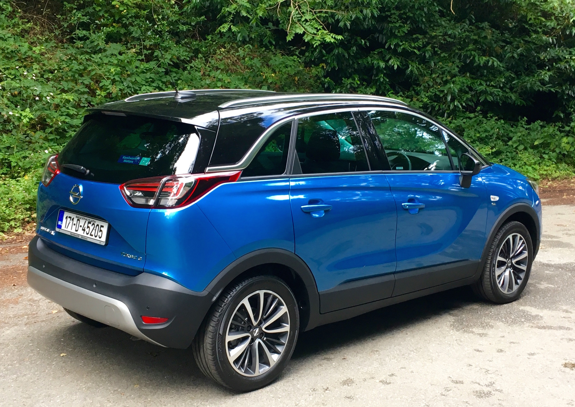 Opel Crossland X Review