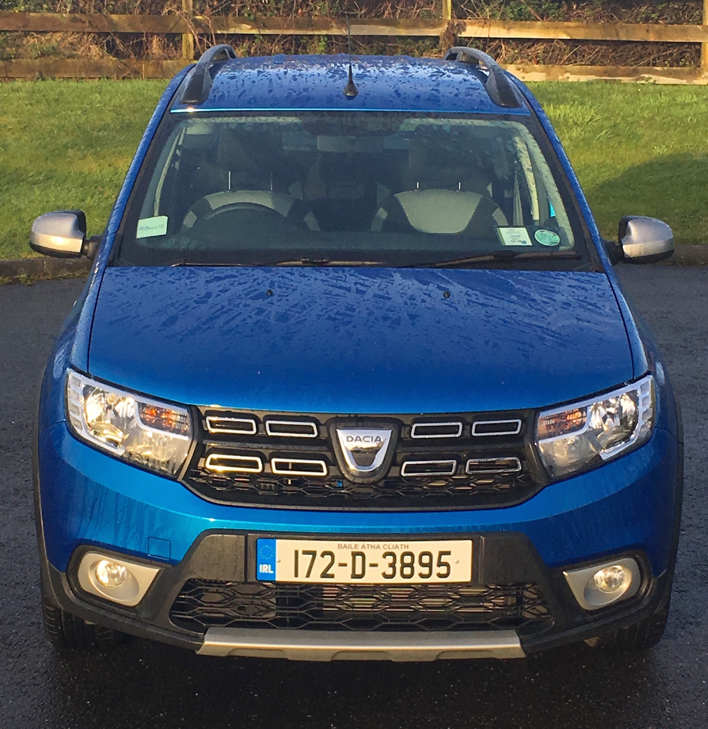 dacia logan mcv stepway review. Black Bedroom Furniture Sets. Home Design Ideas